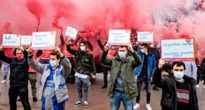 Warnstreiks in der Metall- und Elektroindustrie in NRW - Über 4.200 Beschäftigte legten die Arbeit nieder